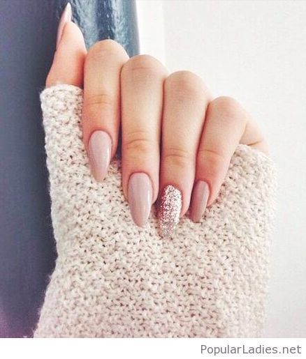 long-nude-nails-with-glitter-love-the-shape
