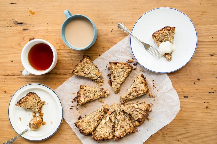 Slow Cooker Muesli Slice via @iquitsugar