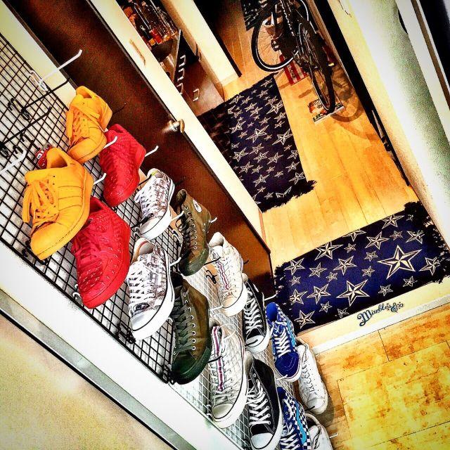 ホームセンタームサシで揃えた網とフックで作ったシューズラック⭐️/hitoshi119さんの、玄関/入り口,DIY,一人暮らし,シューズラック,星が好き,のお部屋写真