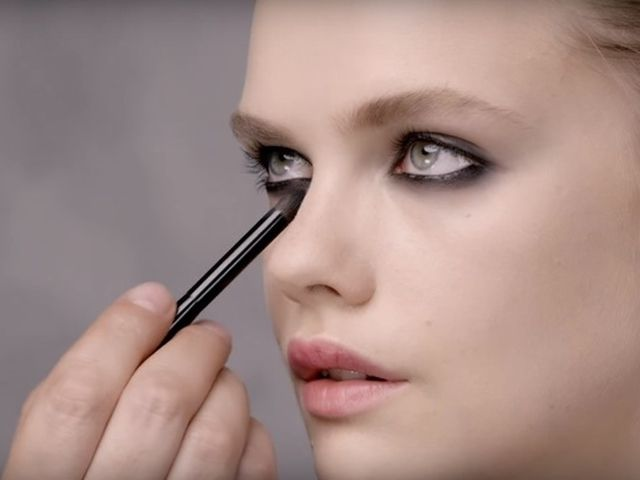 Видеоурок: макияж глаз Black Opium от YSL