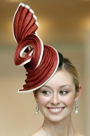 Looks like a chicken on her head: Hats Inspiration, Hats Jpg, Amazing Hats, Fantastic Hats, Fascinating Hats, Hats Hats And, Hats Fedoras Ascots, Accessories Hats, Mad Hatter