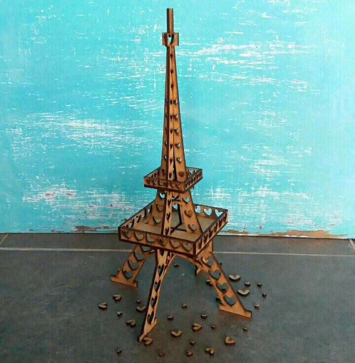 Lleva la Torre Eiffel más creativa. Molduras & Marcos Carrera 43 #70-184