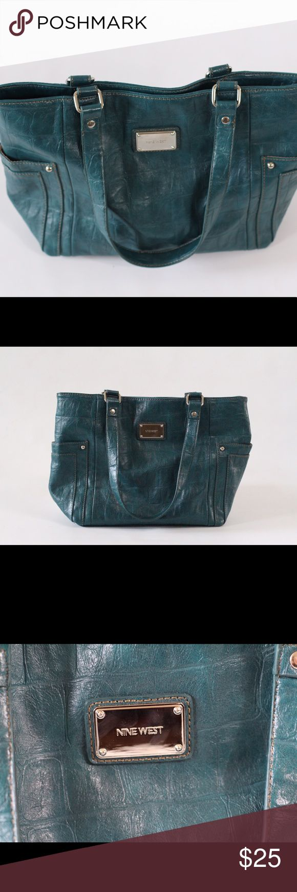 Stylish Nine West Shoulder Bag Authentic Nine West purse in great condition. Beautiful turquoise color, medium to large size. Nine West Bags Shoulder Bags