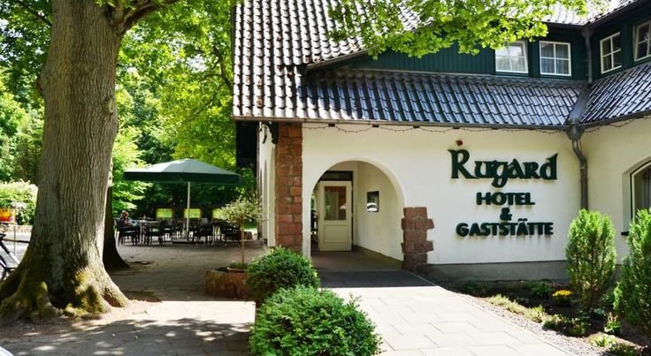 Hotel am Rugard Bergen auf Rügen This 3-star hotel is quietly situated on the border of a wooded conservation area, 8 km from the nearest Baltic Sea beach. Hotel Am Rugard is non-smoking and features a sauna, solarium and a sunny terrace.