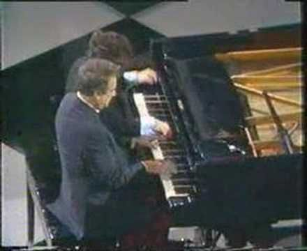 Victor Borge- Franz Liszt Hungarian Rapsody #2---Of course, you have to be a tremendous artist to pull this off - Borge was much more than a comedian.....a timeless treat indeed!!