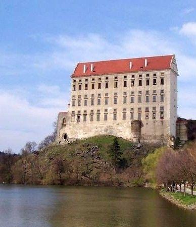 hrad plumlov - Hledat Googlem