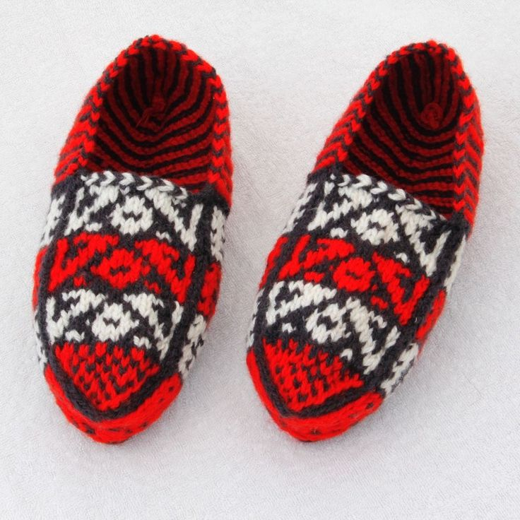 Fair Isle Pure Wool Red Moccasins 6 8 UK Slip-on Hand Knitted New