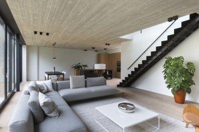 De ruime benedenverdieping is een prima plek voor koppels die aan de toekomst denken en alles op het gelijkvloers willen