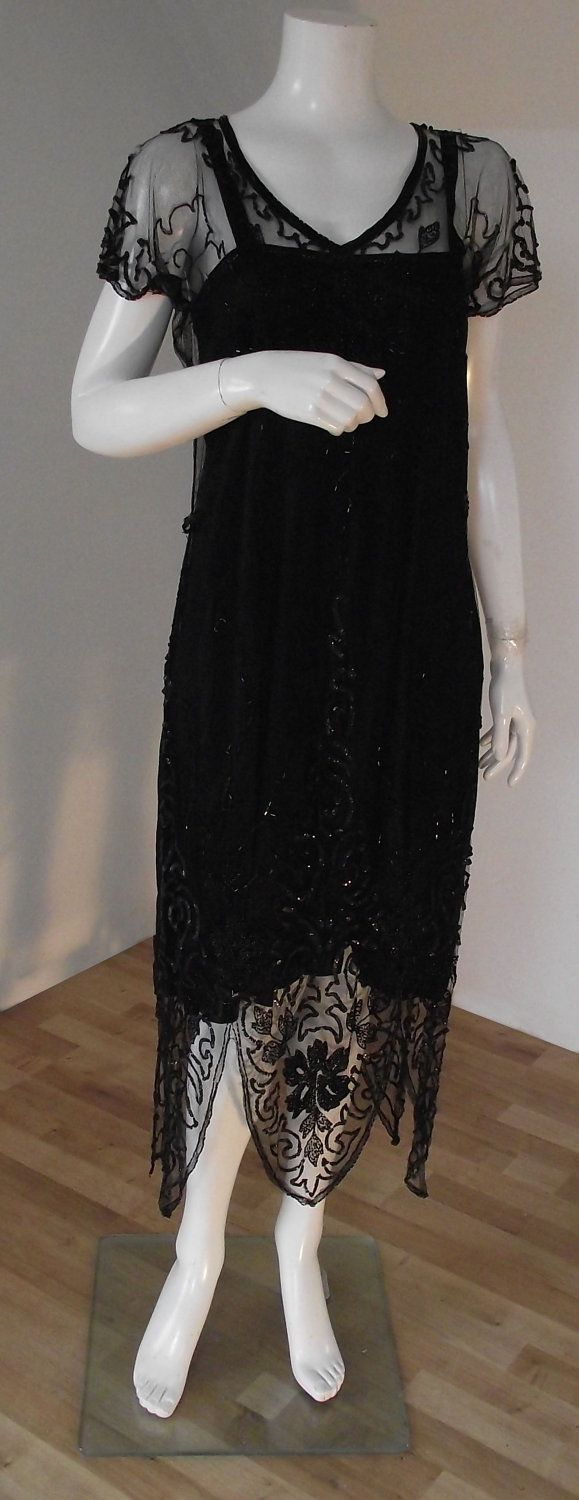 Vintage 1920's beaded flapper dress. I LOVE this!