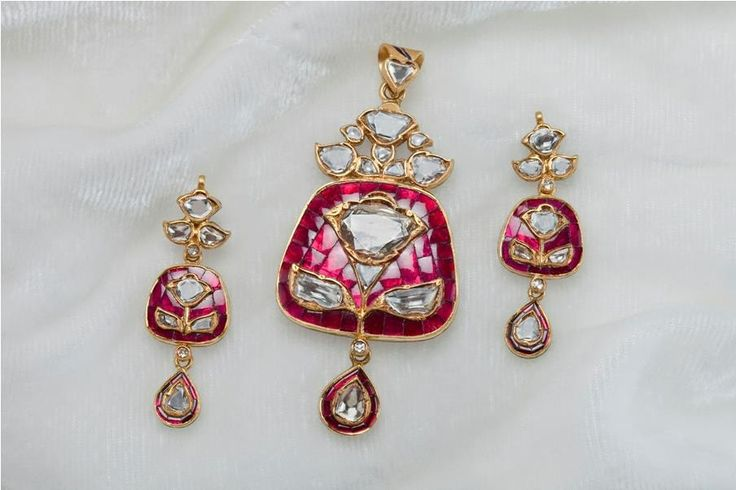 Treandy Pandent set, with gold,polki and rubies.