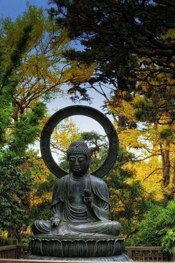 Verwohnen Sie Ihren Geist Mit Buddha Figuren Im Garten Architekt