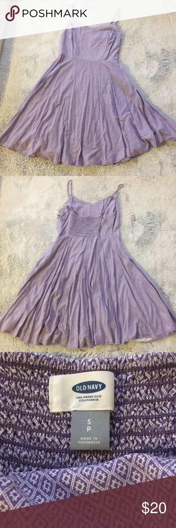 Purple sundress In excellent condition. Only worn one time. It's a very feminine purple color and it has a side zipper and clasp. It hits an inch or two above the knee (I'm 5'2). Old Navy Dresses Midi