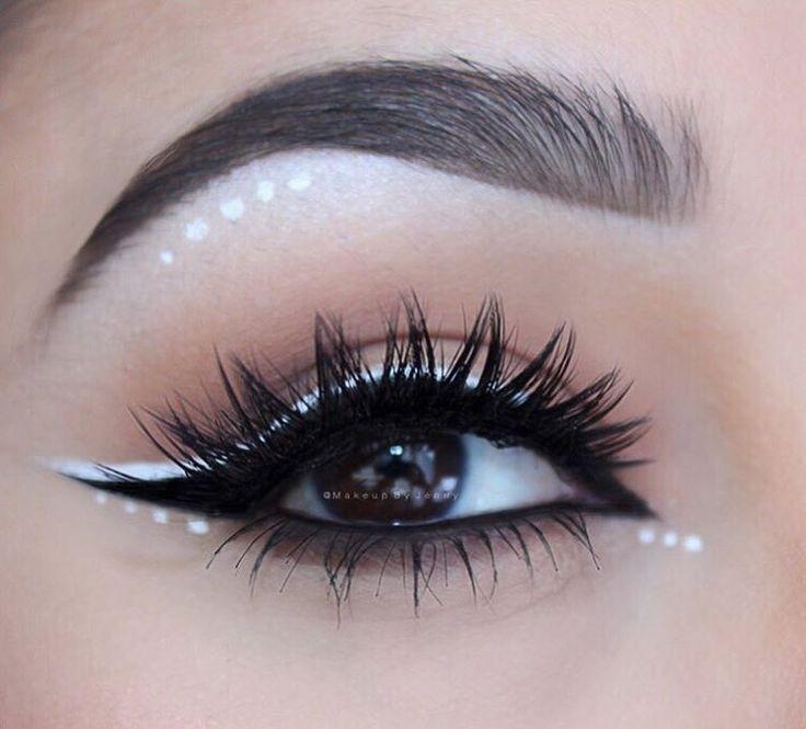 "Jenny Mañé on Instagram: ""BLACK | WHITE ???? Brows- @anastasiabeverlyhills #BrowWiz Black eyeliner @inglot_usa #77 gel liner White liner- @inglot_usa #76 gel liner Lashes- /houseoflashes/ ""Iconic""(Prom Makeup Step)"