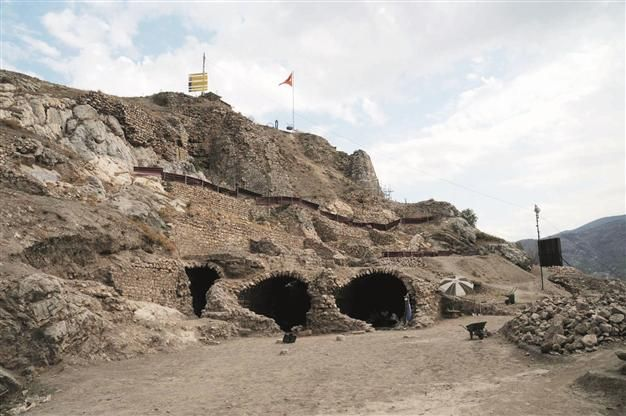 Two dungeons have been discovered in the Tokat Castle, where  Wallachian Prince Vlad III the Impaler, who was also known as Dracula, is said to have been held captive in the early 15th century