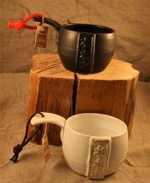 Kåsor i stengods, svart och vit Keramik