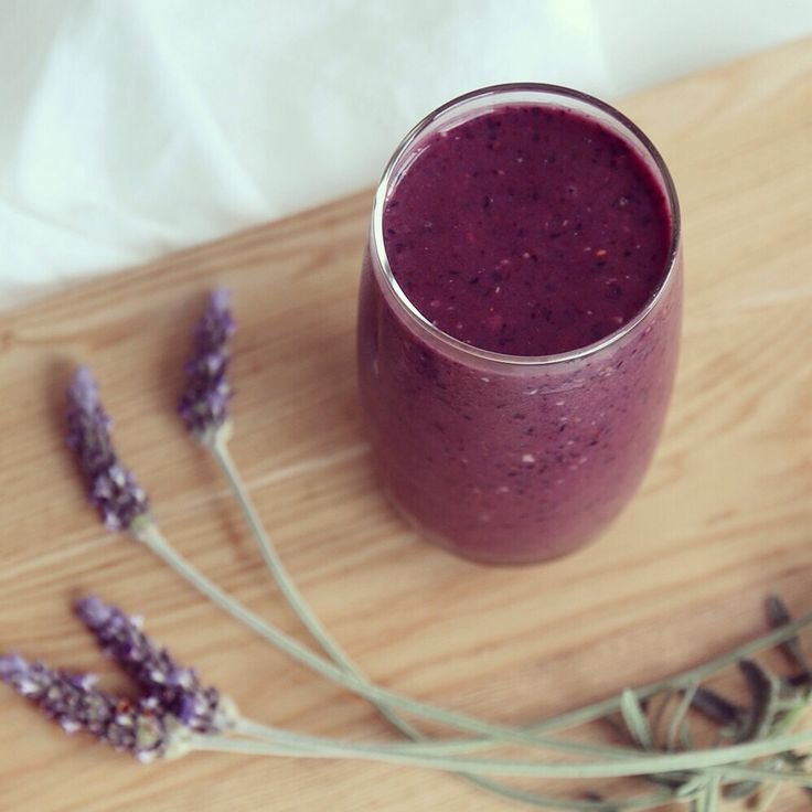 You can taste Provence in this lavender blueberry smoothie.