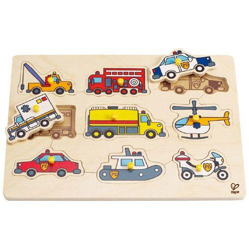 Hape ハペ エマージェンシーカー ベグパズル~Hape(ハペ)のパズルピースにペグ(つまみ)のついた木製ピックアップパズルです。9台の緊急車両がパズルピースになっています。