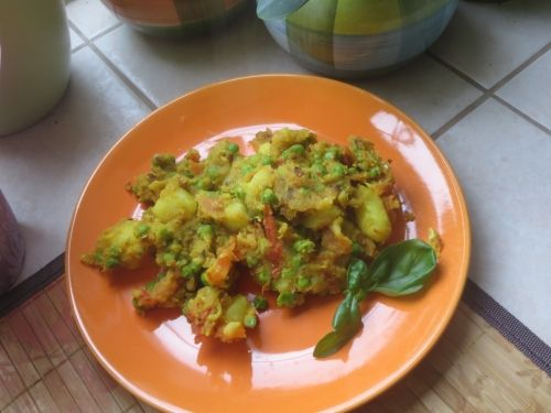 Indiai zöldborsós krumpli