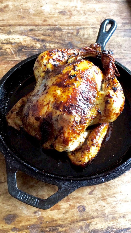 Deze ketjap kip is hier nu favoriet in huis. Bovendien zijn de, eventuele, restjes de volgende dag nog lekkerder!