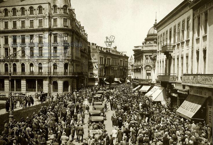 Bucureşti. Calea Victoriei la Cercul Militar.