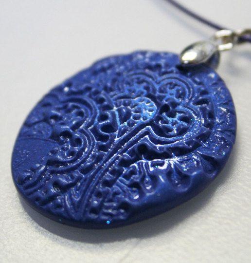 Lilac Blue Paisley  unieke polymeer klei hanger in door MotorandTea
