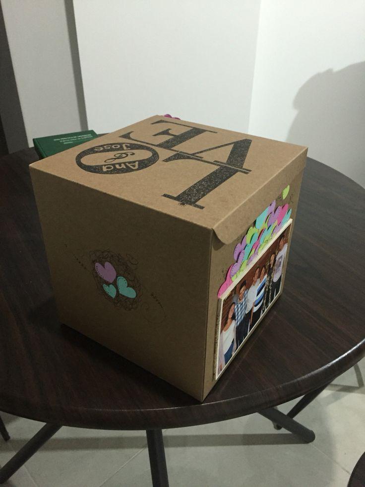 Caja LOVE de cartón