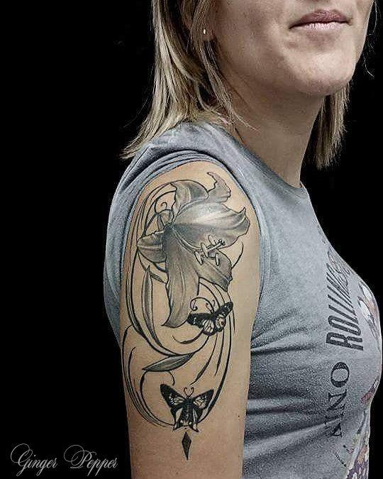Les 25 meilleures id es de la cat gorie tatouage de lys sur pinterest tatouage de collage - Tatouage coquelicot noir ...