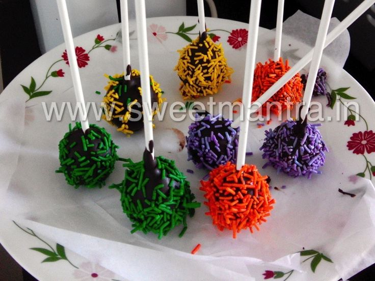 Homemade Eggless birthday party Cake Pops - perfect mini dessert for a kids birthday party