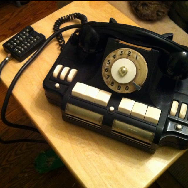 The Bakelite phone that just arrived from Russia.