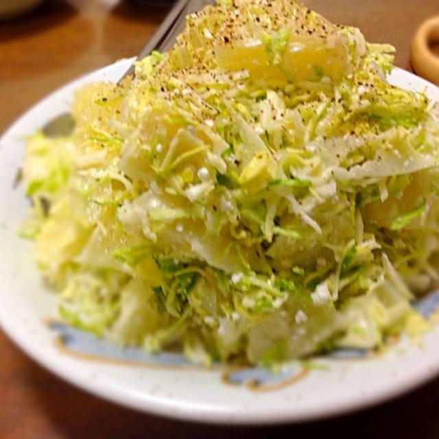 余分な味付け一切無し、でもボリューミーwww - 14件のもぐもぐ - グレープフルーツのサラダ(グレープフルーツ・キャベツ・カッテージチーズ・セロリの葉) by michikoairC9A