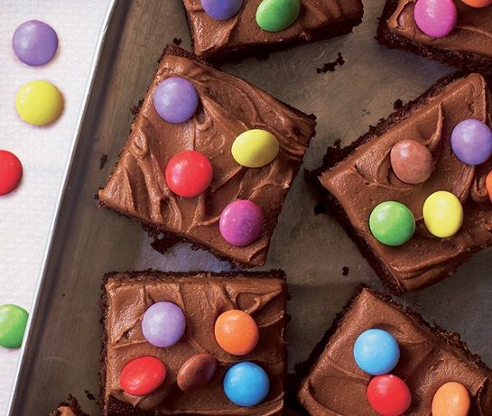 Best 25+ Smarties cake ideas on Pinterest Surprise cake ...