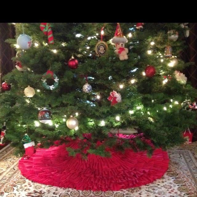 Ruffled tree skirt under tree!