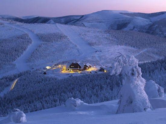 Szép hóeséses téli kép,Szép téli kép,Csodaszép téli tájkép,Gyönyörű téli kép,Csodálatos téli esti kép,Szép havas-fenyős téli tájkép,Csillogó téli kép szarvassal,Havas kép ,Meseszép téli táj,Szép havas téli tájkép, - jpiros Blogja - Állatok,Angyalok, tündérek,Animációk, gifek,Anyák napjára képek,Donald Zolán festményei,Egészség,Érdekességek,Ezotéria,Feliratos: estét, éjszakát,Feliratos: hetet, hétvégét ,Feliratos: reggelt, napot,Feliratos: egyéb feliratok ,Finomságok, kávék,italok…