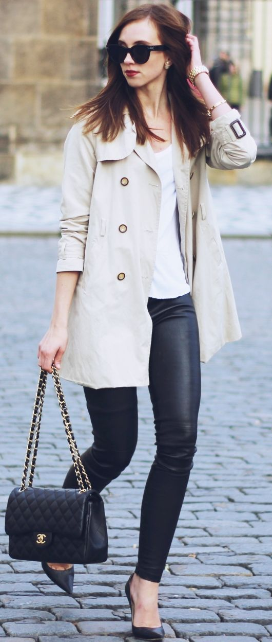 Sandy Trench Fall Street Style Inspo by Vogue Haus