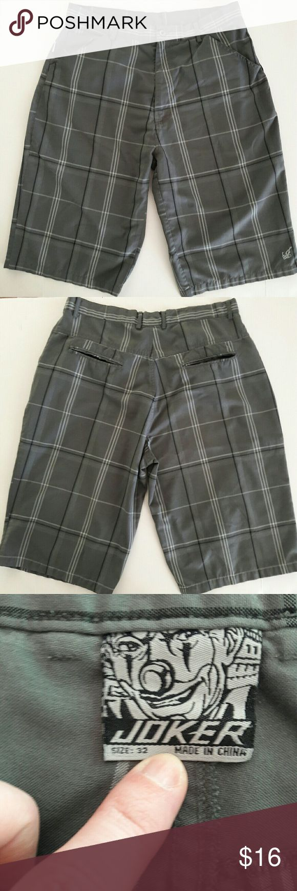 {Mens} Gray plaid shorts by Joker Great shorts for summer! Colors are gray, white and black. Has the joker symbol on one of the legs. No flaws. Measurements provided in pics above. From a smoke and pet free home. Fast shipping! Joker Shorts