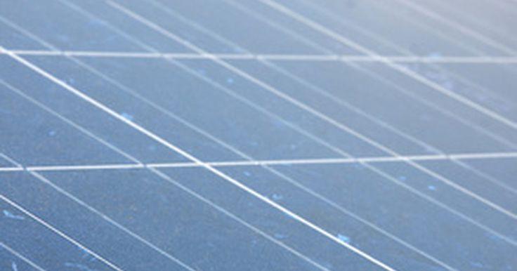 Desventajas de los paneles solares. La tecnología solar está en el foco en esta era donde se buscan nuevas formas de generar energía sin dañar al medio ambiente. La energía solar aprovecha la energía del sol y la transforma en una que puede ser usada por los consumidores. Una de las formas más comunes en que esta energía es aprovechada son los paneles solares, también llamados ...