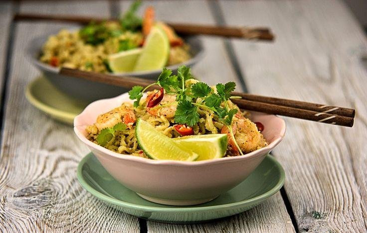 szczypta smaQ: Tajski makaron z ziołowym pesto i krewetkami - ins...
