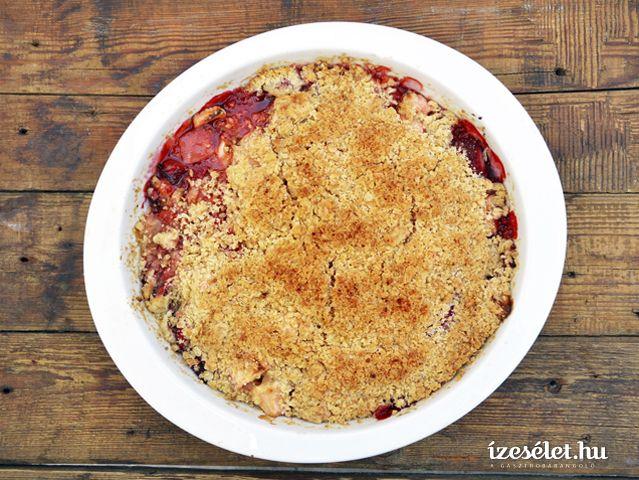 Almás-epres morzsás sütemény (crumble) - Receptek | Ízes Élet - Gasztronómia a mindennapokra
