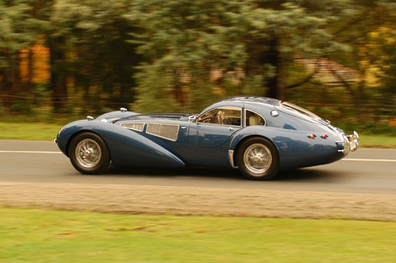 the devaux coupe is an australian automobile built from 2001 and still is designed by david j. Black Bedroom Furniture Sets. Home Design Ideas