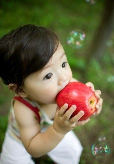 http://mischolitos.blogspot.com/2012/02/blanca-die-puppe-fur-dein-kind.html  cutie