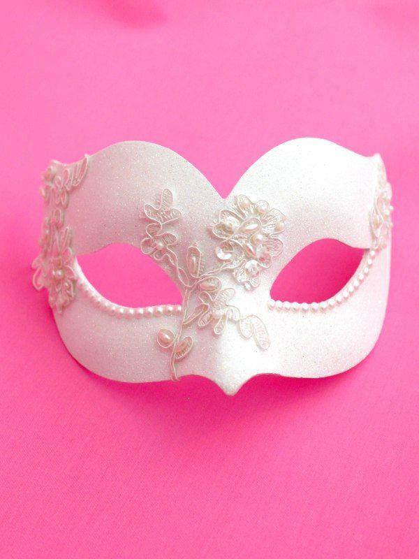 Ivory-White-Swarovski-Pearl-Uccello-Venetian-Masquerade-Mask.jpg 600×800 pixels