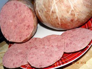 Фото к рецепту: Колбаса домашняя «Варёная говяжья с ливером»