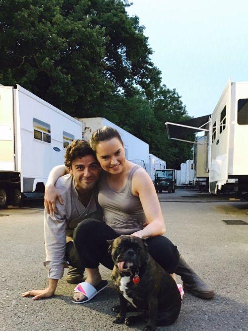 Oscar Isaac Daisy Ridley on set Star Wars Episode VIII https://twitter.com/carrieffisher/status/751524647385100288