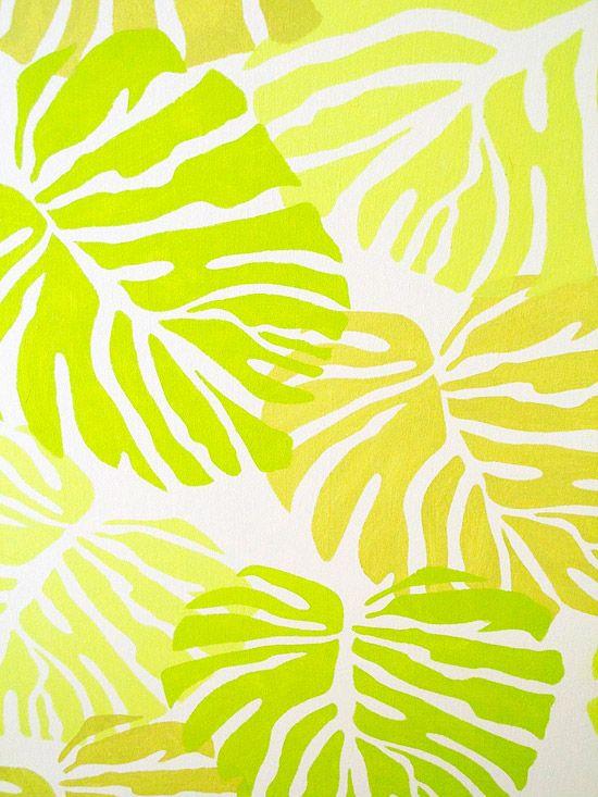 Experimente combinações de cores em uma placa de amostra para se certificar de que você gosta da paleta antes de pintar o seu projeto final. Aqui, alguns exemplos de testes com estêncil ligeiramente sobrepondo as folhas que resulta em camadas que criam um efeito de selva.