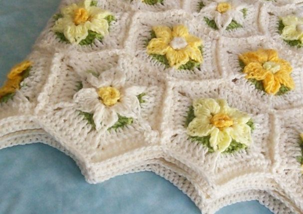 Crochet Daffodil Field Baby Blanket or Lap Afghan. 3 by GSMDsigns