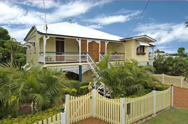 I want a queenslander in a great location with lots of character