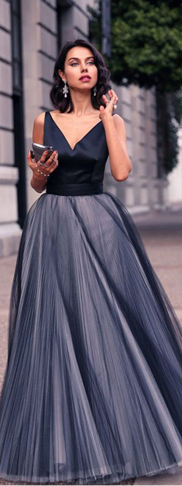 Charming Satin & Tulle V-Neck Neckline Ball Gown Evening Dresses With Bowknot