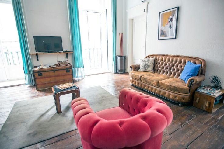 O Boho Cais do Sodré - Guesthouse está localizado em Lisboa, mesmo ao lado da zona ribeirinha... o Rio Tejo está a 300 metros e o Chiado a 400 metros.  #mercadinhodovintage