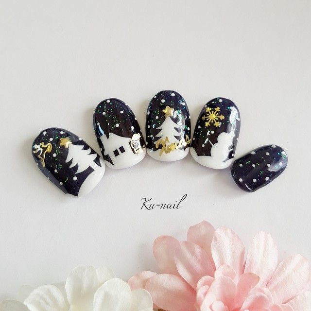Black and white Christmas art design nails