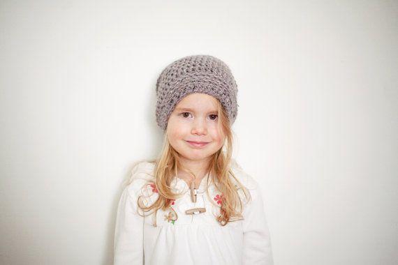 Gorrita tejida Slouchy gris para niños por PBlossomBoutique en Etsy